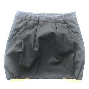 Benetton black skirt w pockets